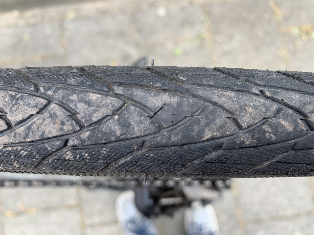 The tire after removing the nail: a little crack